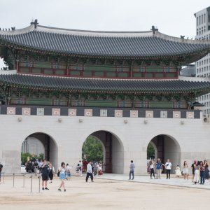 a traditional Korean palace that showcases its culture in Seoul