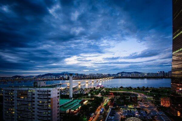 The beauty of Seoul City with its stretching Han River.