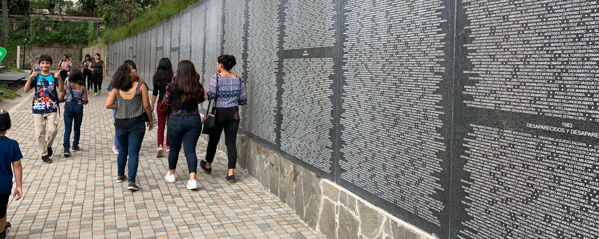 Monument to Memory and Truth di Parque Cuscatlan